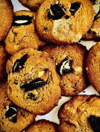 Easy Oreo Chunk Cookies