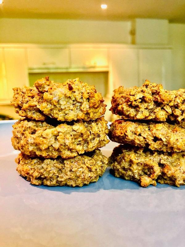 3-Ingredients Almond Yogurt Breakfast Cookies