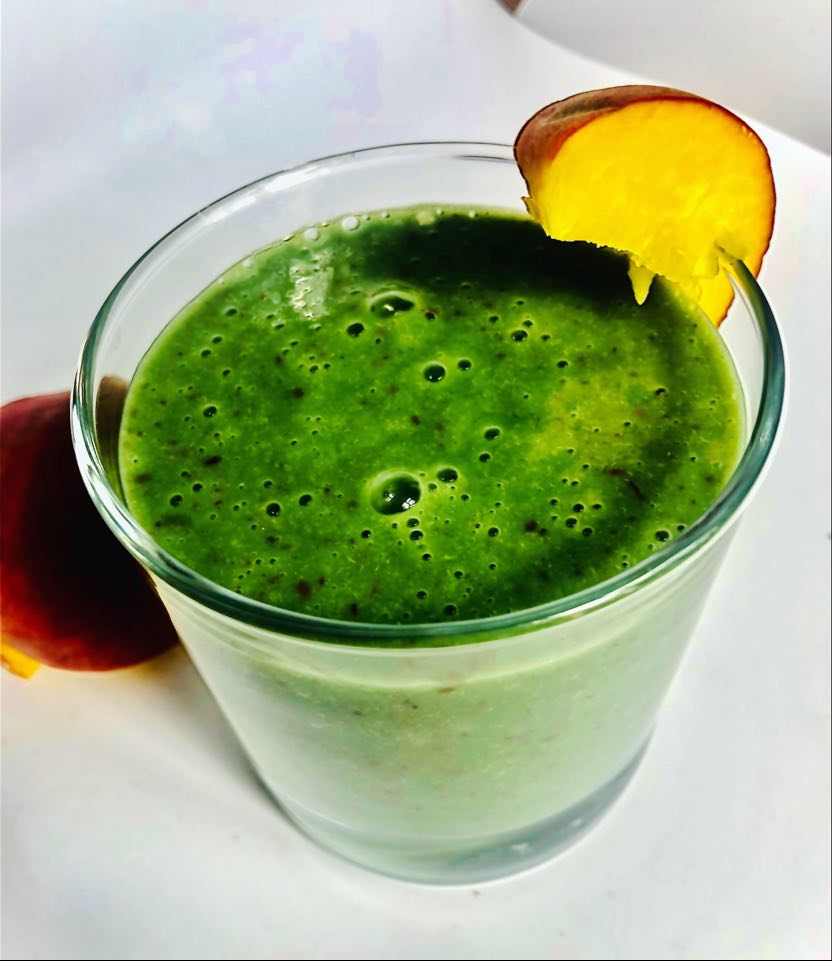 Low-Calorie 3-Ingredient Detox Peach Smoothie