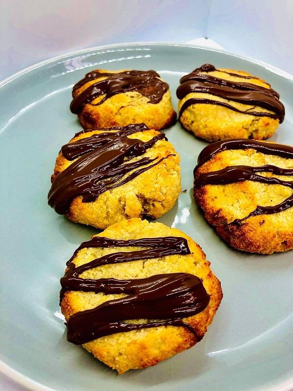 3-Ingredients Vegan Almond Cookies