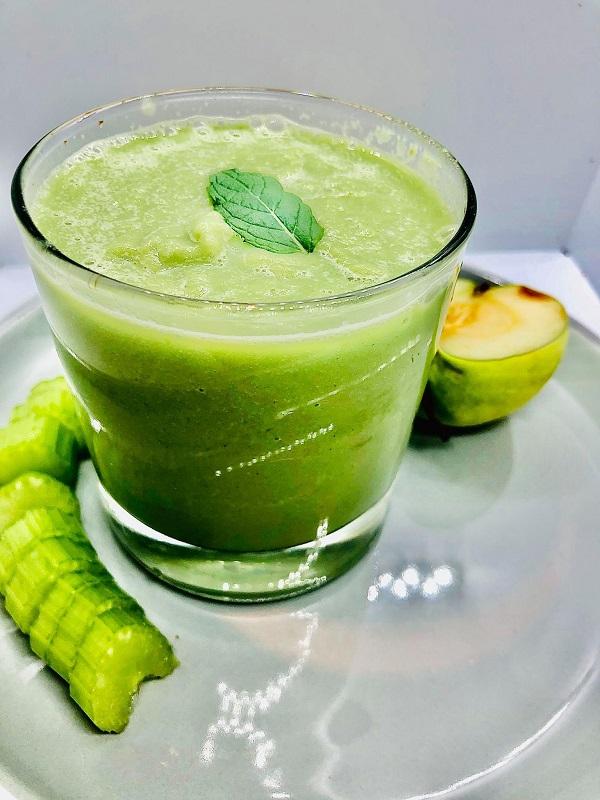 Diabetic-Friendly Green Smoothie